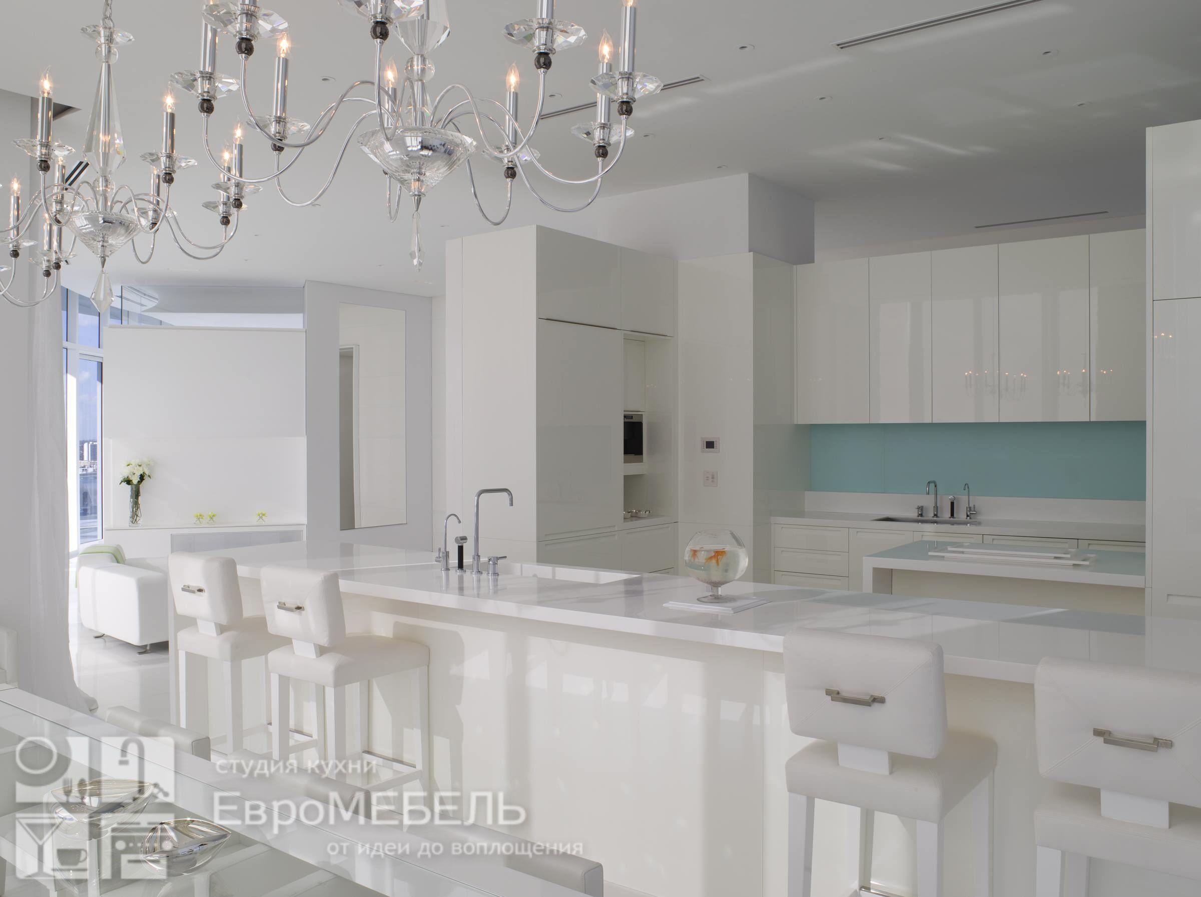 Белоснежная кухня Модерн